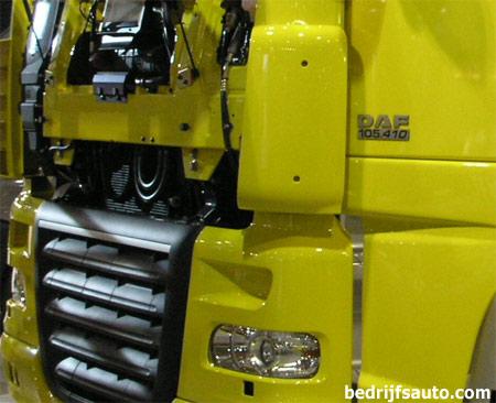 olie in koelvloeistof reservoir auto